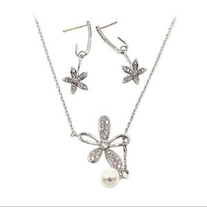 Elegant crystal flower petals necklace earrings